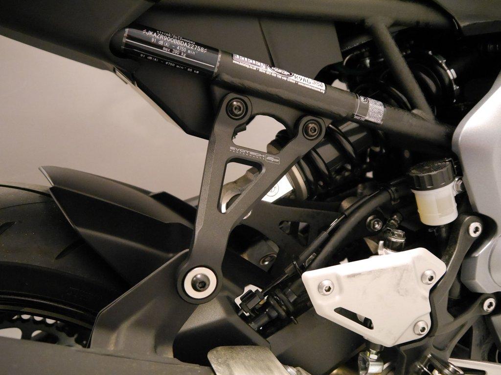 KAWASAKI Z900 EXHAUST HANGER BLANKING PLATE KIT 2017